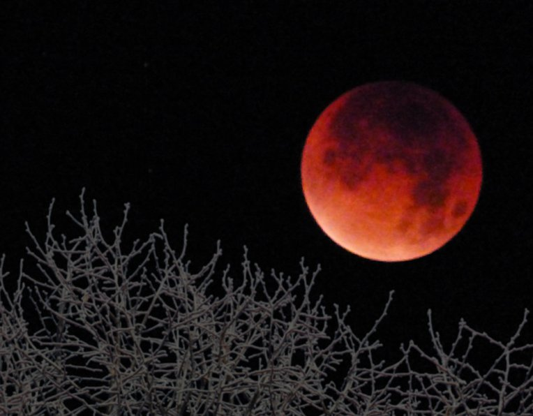 blood moon 010