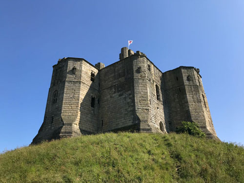 Castles 25Jul Warkworth side view X - 1